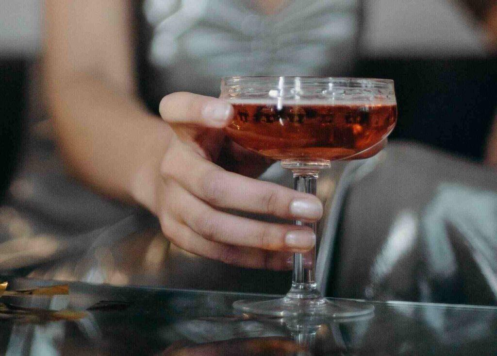 вылечить женский алкоголизм
