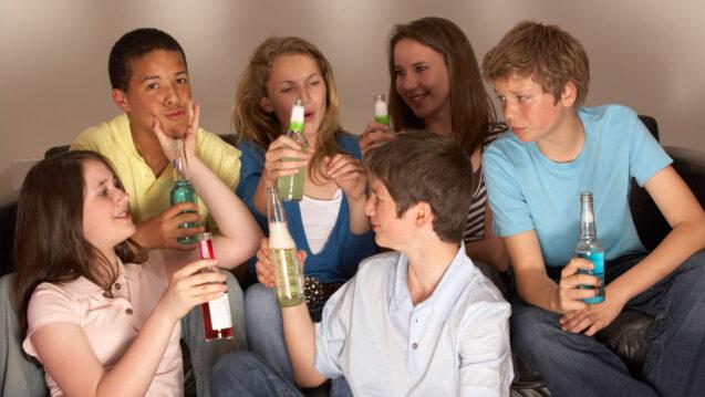 Алкогольная зависимость в подростковом возрасте: лечение и последствия