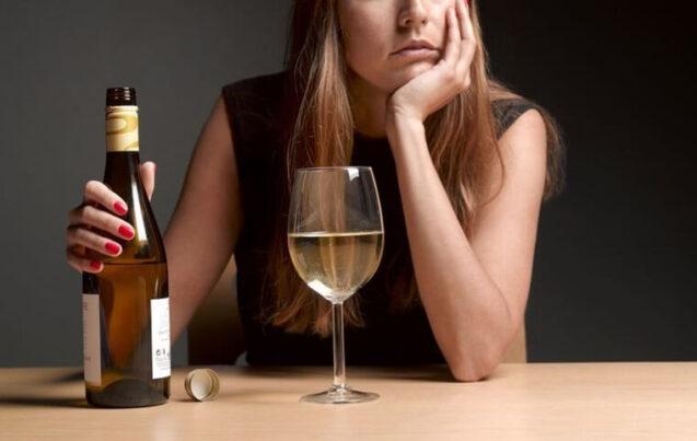 Признаки и последствия женского алкоголизма